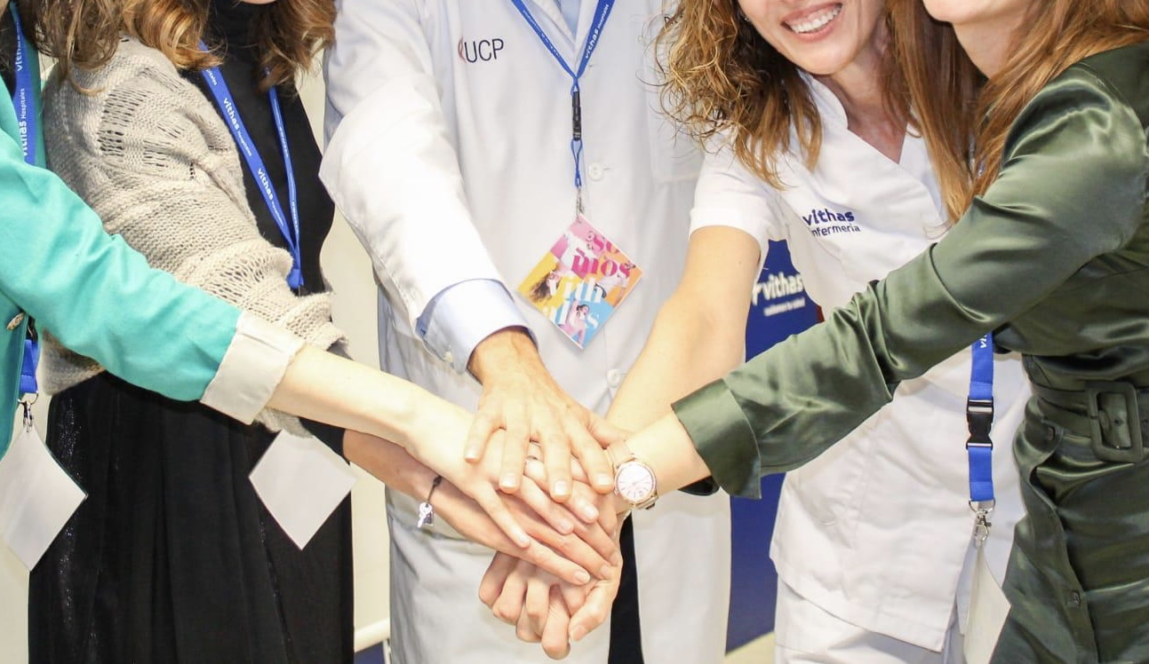 cirujano plastico Dr. Sancho y su equipo